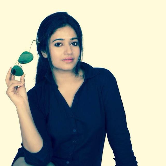 Poonam Bajwa Hot