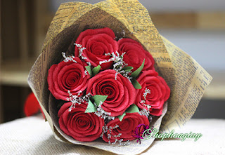 hoa hồng giấy màu đỏ