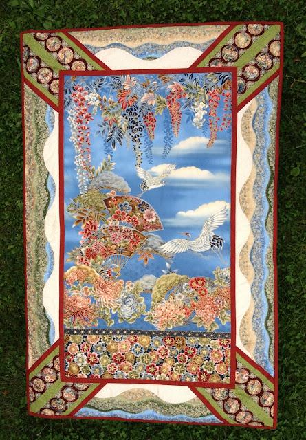 http://allie-and-me-design.blogspot.de/2013/08/mamas-geburtstags-quilt.html