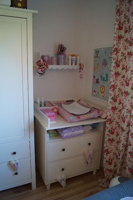 baby blog f r mama und papa ein uns entsteht unsere lotte hat ein neues kinderzimmer schaut. Black Bedroom Furniture Sets. Home Design Ideas