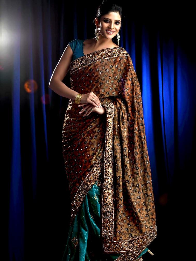 Kalyan Silks Wedding Gown Collection