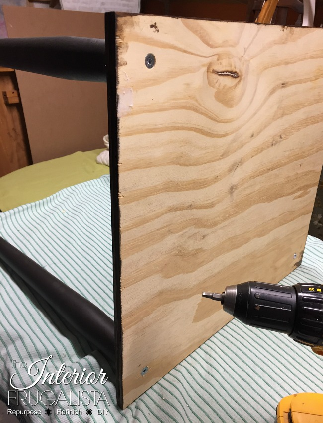 Attaching legs to DIY Wooden Trunk Table