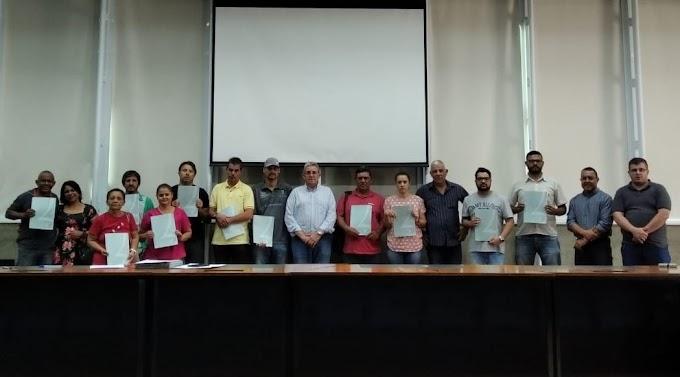 Habitação entrega documentação para 25 moradores do Pazetti