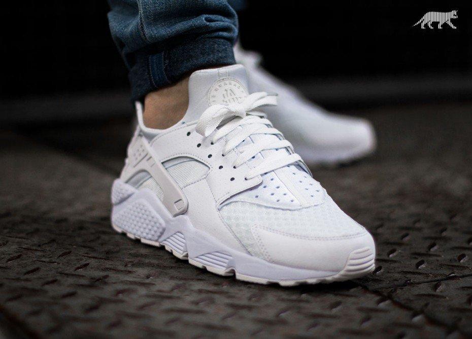 online retailer 5baf4 875c0 nike air huarache all white