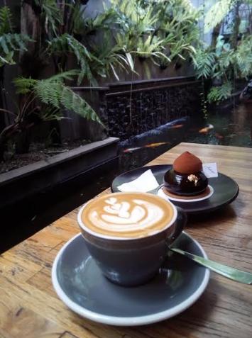 Wisata Kuliner : Ambrogio Patisserie Caffe Asli Homey