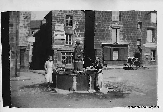 Besse en Chandesse, Puy-de-Dôme, Auvergne. Photo noir et blanc 1930