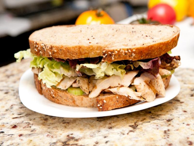 6 deliciosas receitas de sanduíche de frango ao estilo indiano
