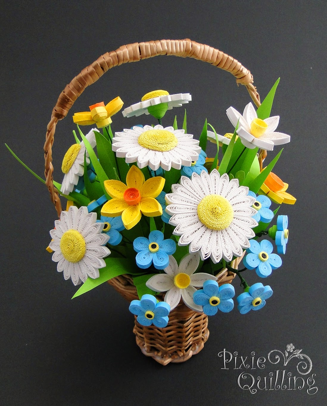 Paprvilg: basket with quilled flowers / quilling virgos ...