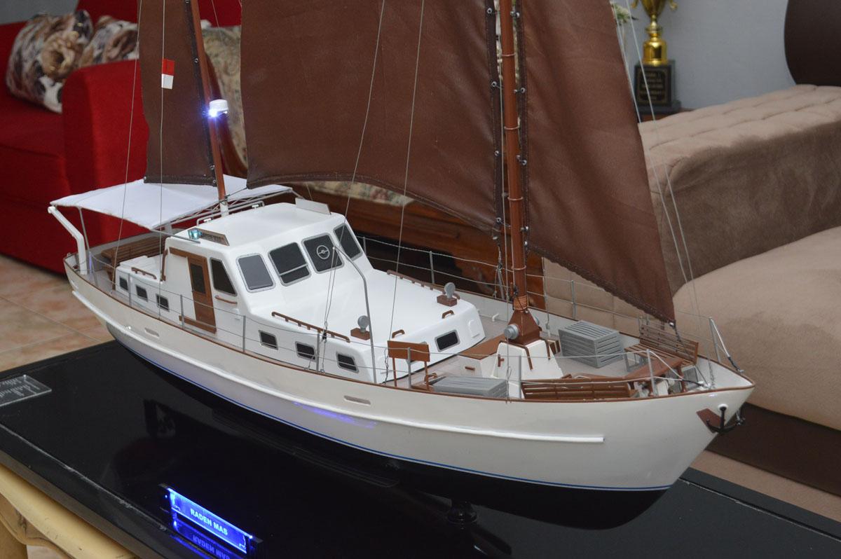 miniatur kapal km raden mas sailing yacht rumpun art work planet kapal temanggung indonesia
