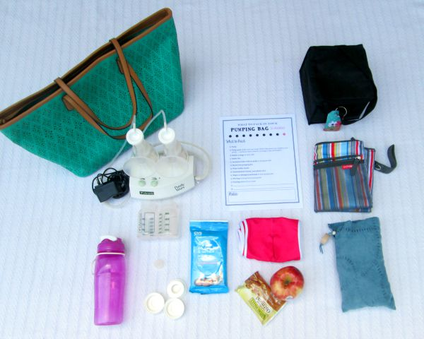 How to pack a perfectly packed breast pump bag for pumping at work plus a printable checklist at LaurasPlans.com