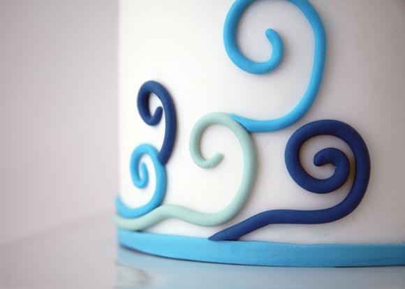 Trio of DIY Nautical Cakes Using Sugar Paste Fondant - via BirdsParty.com