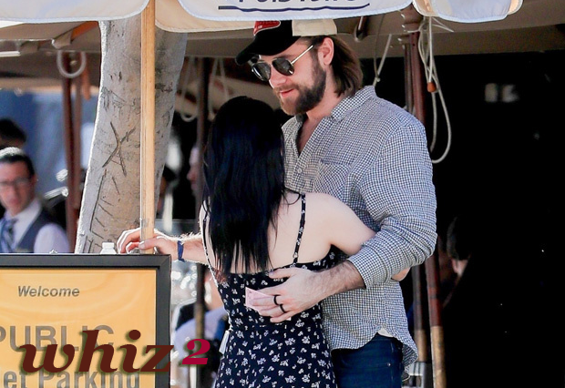 Ariel Winter and Luke Benward Fold Their Arms Over One another After Hot Night out on the town At Brilliant Globes