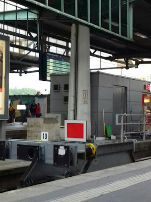 Kopfbahnhof, Detail am Gleis