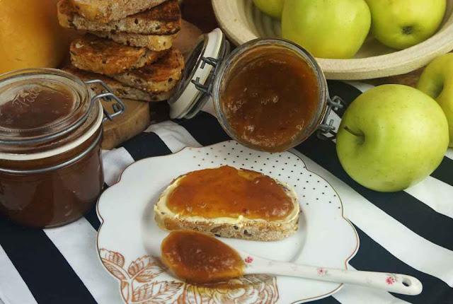 Mermelada de manzana y canela al microondas