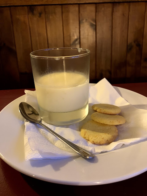 lemon posset, The Full Moon, Hawridge common