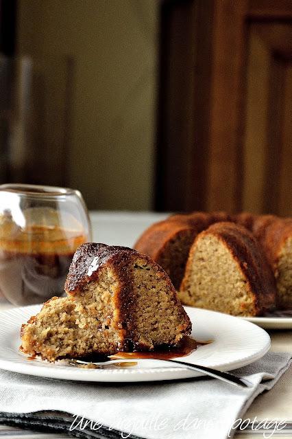 cake-banane-café-cardamome-caramel-helen-goh
