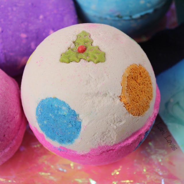 Lush Luxury Lush Pud bath bomb review