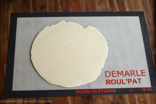 Using a Demarle At Home Roul'Pat for pie crust