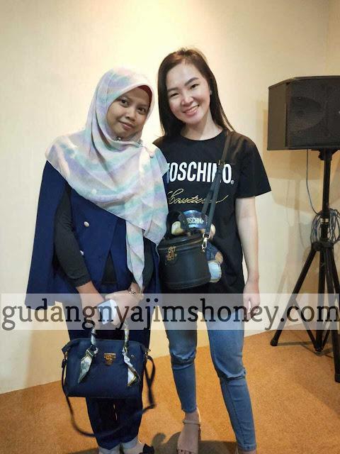 Owner Gudangnya Jimshoney Nurul Fitriyah with Owner Jims Honey Hanny Zeng Best Hotel