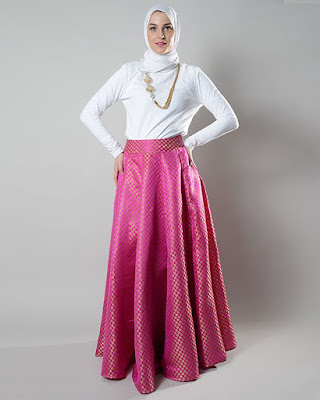 Maxi Skirt manset putih seksi dan hot