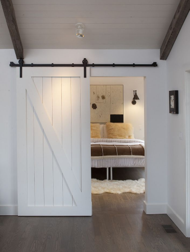 CHARMING BARN DOORS REUSE IDEAS