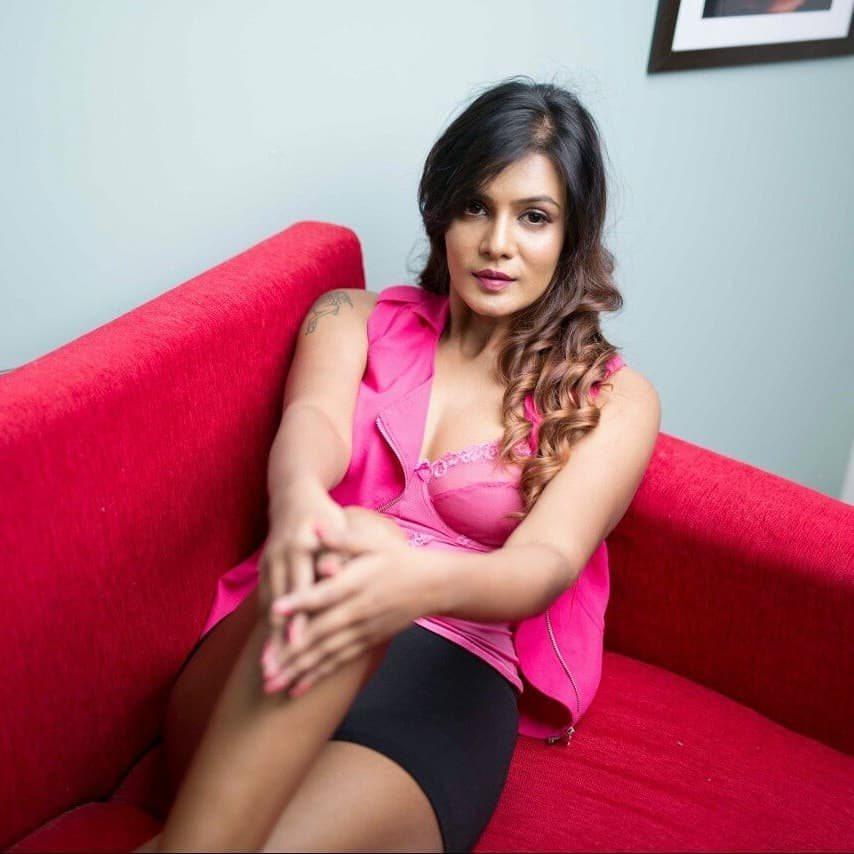 'Bigg Boss' Fame Meera Mitun Latest Hot Photoshoot