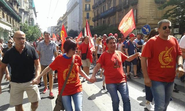 SCIOPERO NAZIONALE DEI METALMECCANICI, IL CORTEO DI NAPOLI