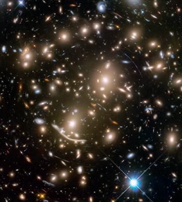 несколько сотен галактик на одном фото.