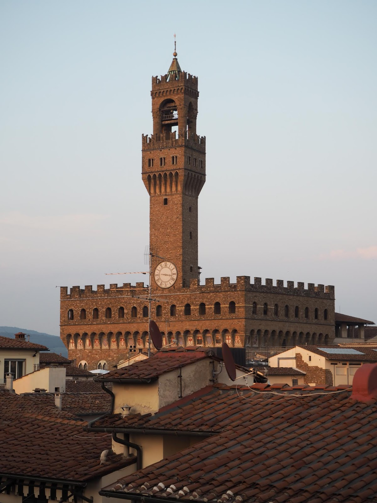 palazzo vecchio during a summer evening