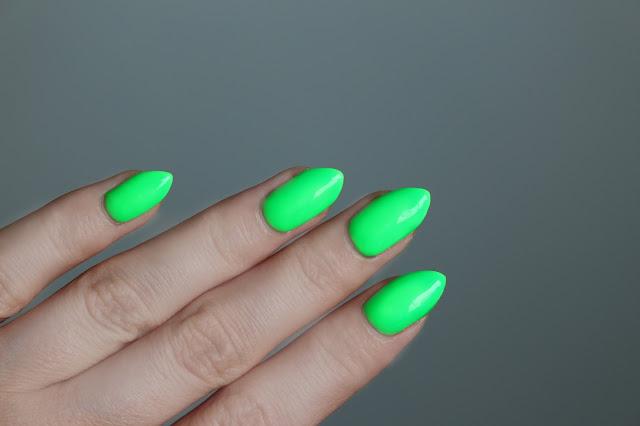 hola paola paznokcie hybrydowe neon czerwone EN effectivenails lakiery hybrydowe opinia jak stosowaćgdzie kupić  NR. 11 FERRARI NR. N03 SHOCING GREEN