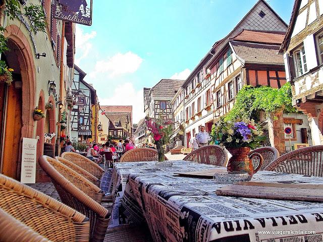 Centro comercial da cidade de Riquewihr, França