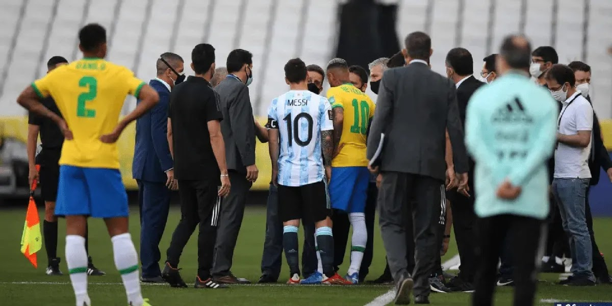 Brasil: la policía detuvo el partido para deportar a 4 jugadores argentinos