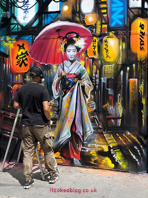 Dan Kitcheners Beautiful Geisha Street Art in London. #streetart #murals #Hookedblog