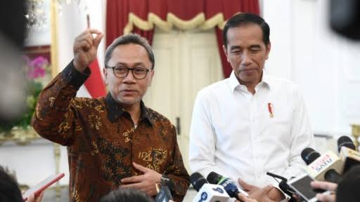 Sebut Jokowi Kerja Keras Atasi Pandemi, Zulhas: Dilihat di TV Wajah Presiden Lebam-Lebam