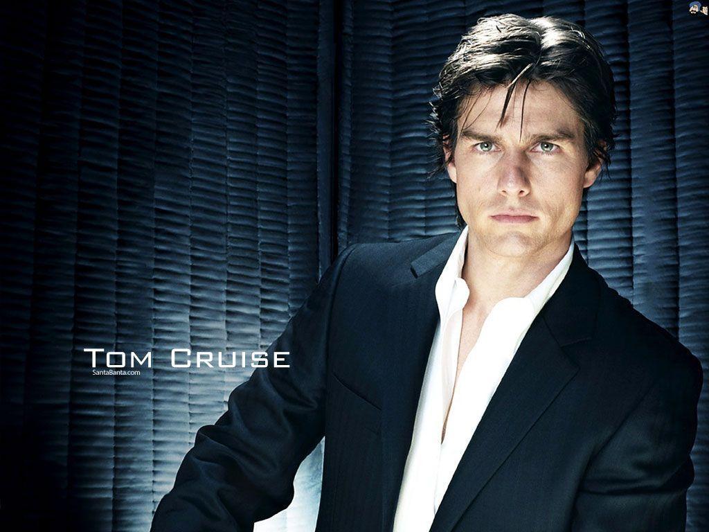 Tom Cruise Dashing look