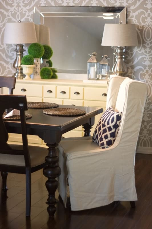 How to decorate a buffet table in dining room