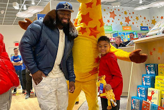 50 Cent Spends $100,000 for Sire's Christmas at Toys R Us Shop