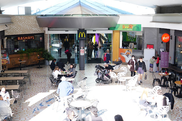 Harbourside Shopping Centre monorail station food court