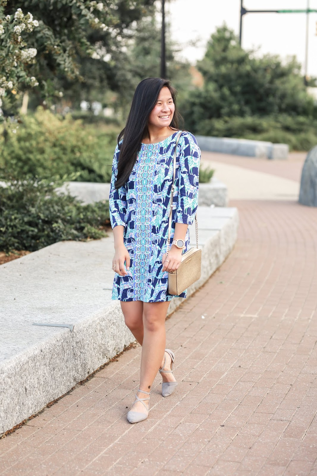lilly pulitzer bay dress in alpaca my bag | wearing lilly in the fall