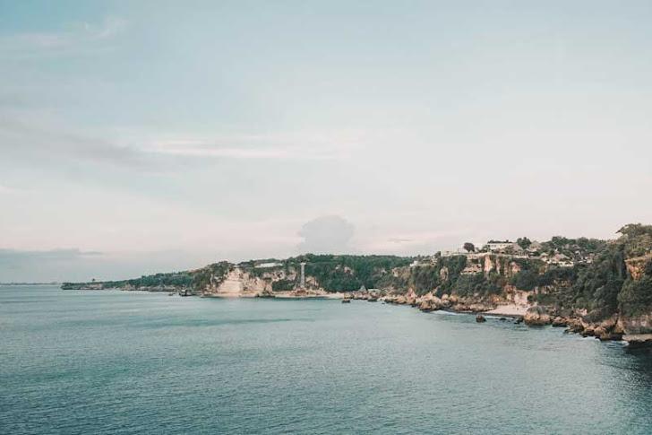 Pantai Balangan Bali - Fasilitas Wisata, Harga Tiket Masuk dan Rute