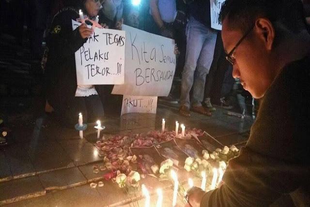 Ratusan Warga Jakarta Gelar Aksi Seribu Lilin Untuk Intan