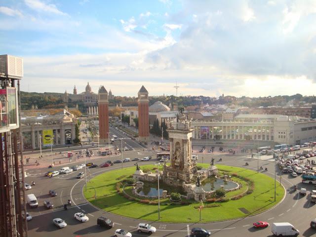 Onde ficar em Barcelona? Plaça Espanya