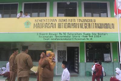 Kakankemenag Kunjungi MIN 1 Tanjungbalai