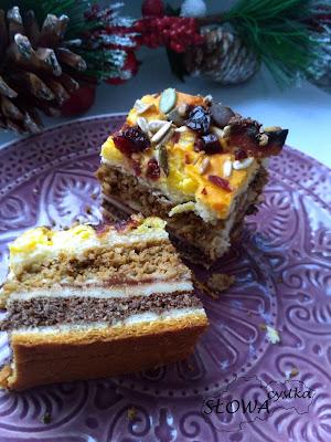 kuchnia słowacka i jej specjały Štedrák, szczodrak, wigilijniak - tradycyjne słowackie ciasto bożonarodzeniowe