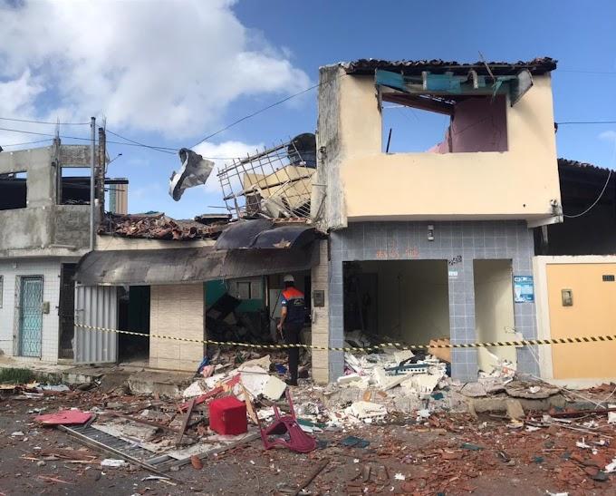 NATAL: EXPLOSÃO NO BAIRRO DAS ROCAS ATINGE IMÓVEIS E DEIXA CINCO PESSOAS FERIDAS
