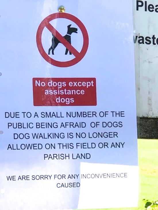 Dog ban notice at Gobions - image courtesy of Brookmans Park News and Events Facebook page