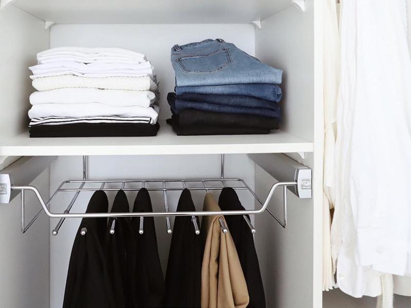 Никаких лишних складочек! Правильно раскладываем одежду в шкафу