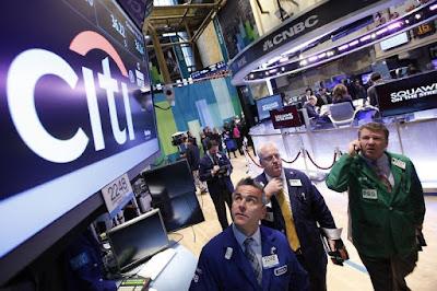 EconomicPolicyJournal.com: Grande vitória para os bancos: reguladores facilitam a regra de Volcker 11