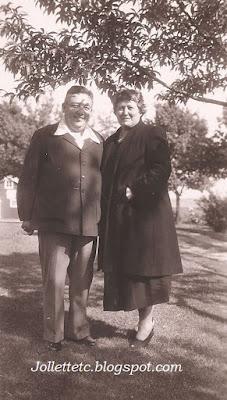 Arthur Woody Woodring and Velma Davis Woodring 1949 Martinsburg, WV  https://jollettetc.blogspot.com