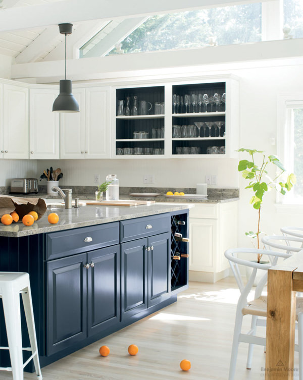 traditional kitchen with benjamin moore white heron cabinets and oxford gray island